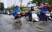 Hồ Chí Minh: Hàng trăm tỷ đồng chống ngập như muối bỏ biển