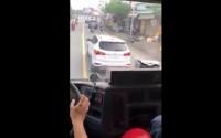 Xe cứu hỏa bất lực xin đường, ô tô 'giả điếc' trên phố Sài Gòn