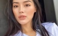 Nổi hứng khoe trọn bộ makeup dùng hàng ngày, Khánh Linh The Face còn review chi tiết từng món một