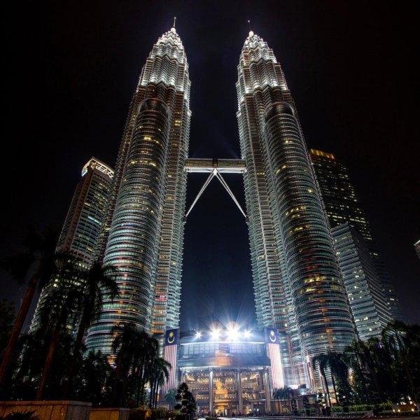 Theo chân bộ tứ soái tỷ cầm trong tay 5 triệu lật tung Malaysia suốt 5N4Đ