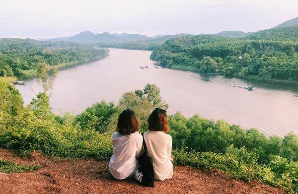 Thu trọn hoàng hôn xứ Huế tuyệt đẹp từ đồi Vọng Cảnh