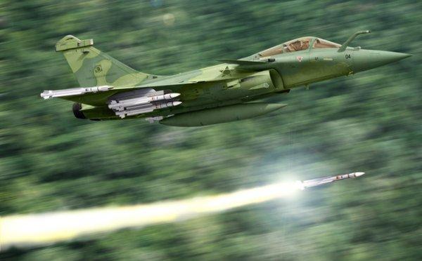 Pháp tuyên bố sẵn sàng tấn công Syria nếu vũ khí hóa học được sử dụng