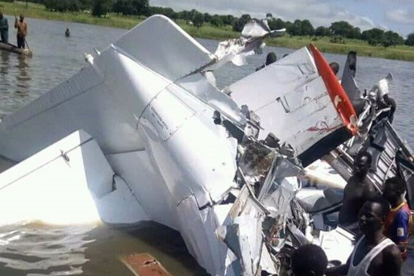 Thông tin mới về số người sống sót vụ máy bay rơi ở Nam Sudan