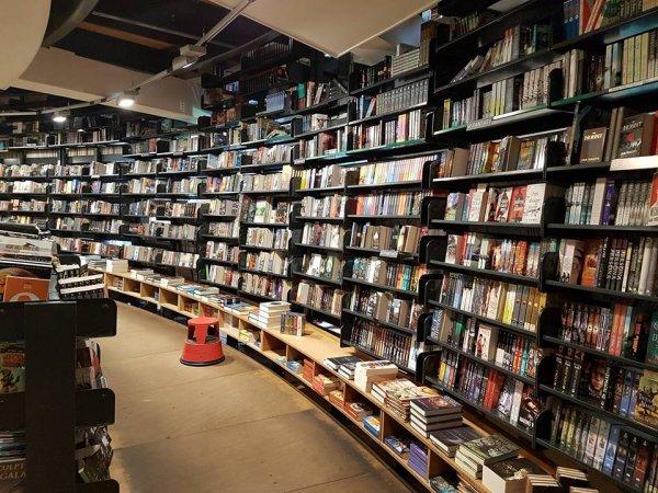 """9 địa chỉ dành riêng cho """"mọt sách"""" khi đến với thành phố Amsterdam"""
