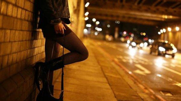 Đề xuất thôi học SV hoạt động mại dâm: Thứ trưởng Bộ GDĐT nói gì?