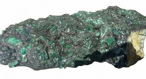 Nhìn qua xấu xí vô dụng, thực ra các khối đá này đáng giá tiền tỷ