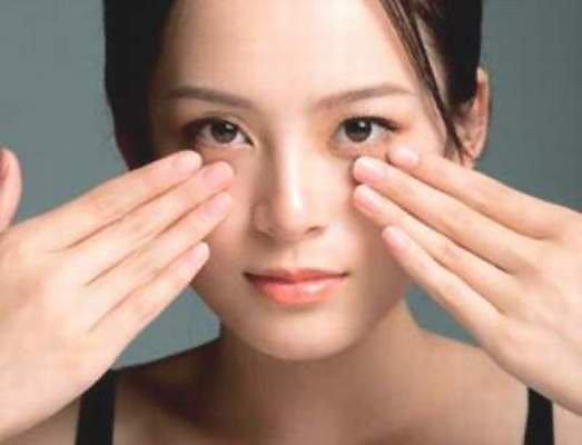 4 cách xóa tan quầng thâm bọng mắt chỉ trong 5 phút thực hiện ngay tại nhà