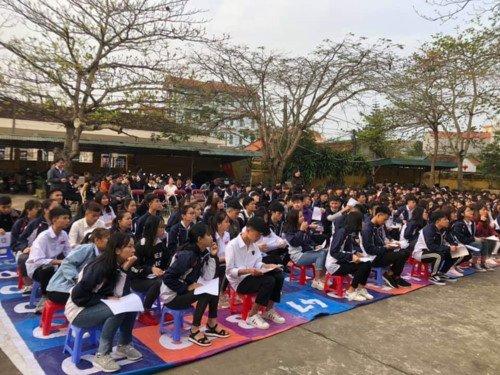 Hàng trăm học sinh Trường THPT Tiên Yên (Quảng Ninh) nghỉ học bất thường: Giáo viên, phụ huynh và học sinh bức xúc, hoang mang