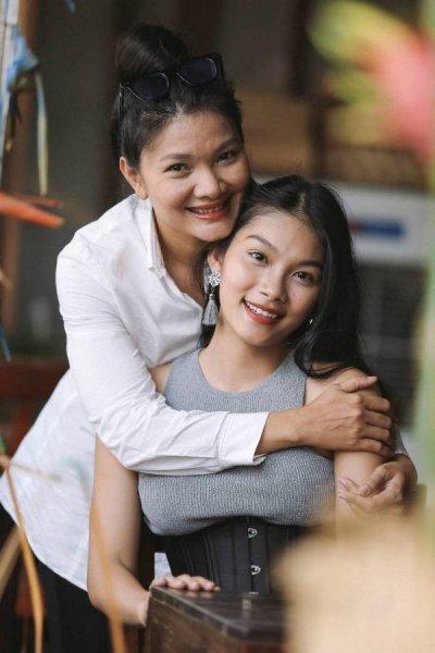 Kiều Trinh hé lộ loạt ảnh hiếm hồi nhỏ của con gái - diễn viên Thanh Tú