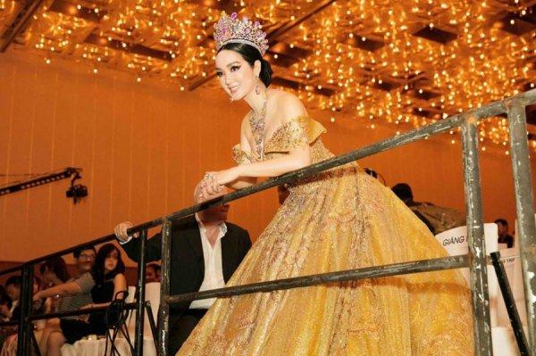 Dù đã U50 nhưng Hoa hậu Đền Hùng Giáng My luôn khiến đàn em phải ghen tỵ về nhan sắc